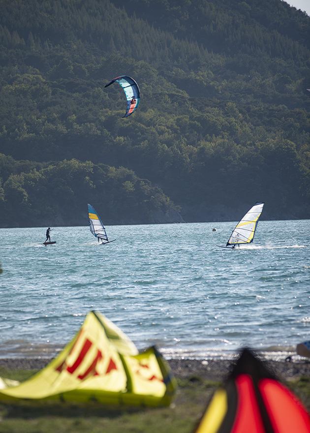 le spot de planche à voile Lac de Serre-Ponçon